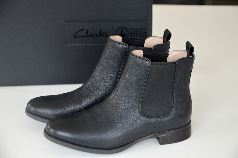 Clarks Chelsea Boots 01