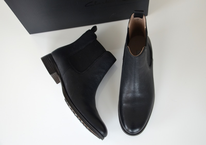 Clarks Chelsea Boots 02