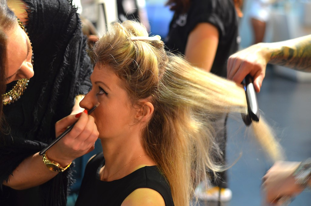 Platform Fashion backstage Make-Up und Haare