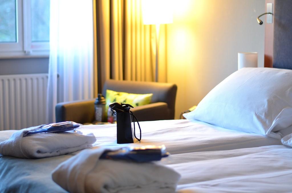 Bett Hotelzimmer Radisson Blu Hotel Dortmund