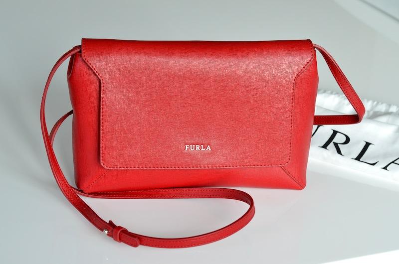 Furla Glam Envelope Crossbody Bag 02