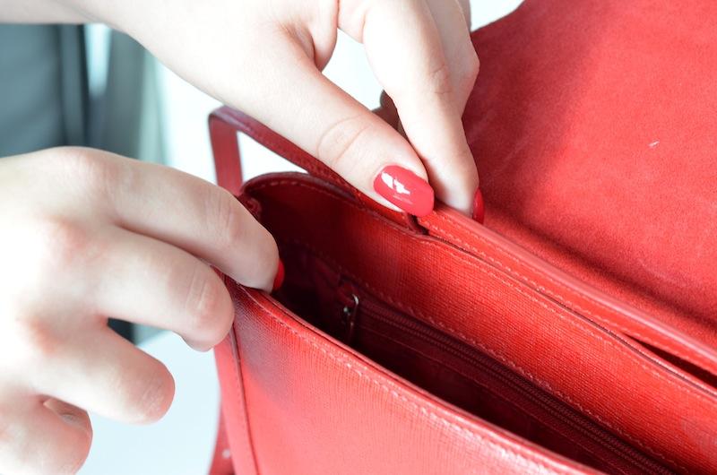 Furla Glam Envelope Crossbody Bag 03