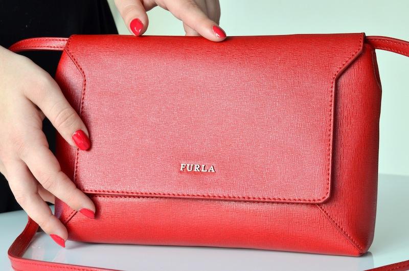 Furla Glam Envelope Crossbody Bag 04