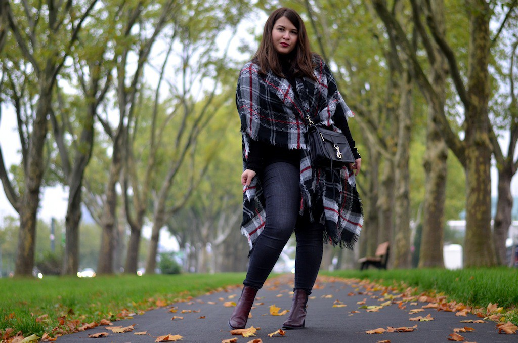 Herbst Outfit, Poncho, Rebecca Minkoff, Sacha, Gina Tricot