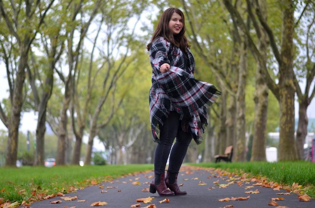 Herbst Outfit, Poncho, Rebecca Minkoff, Sacha, Gina Tricot 06
