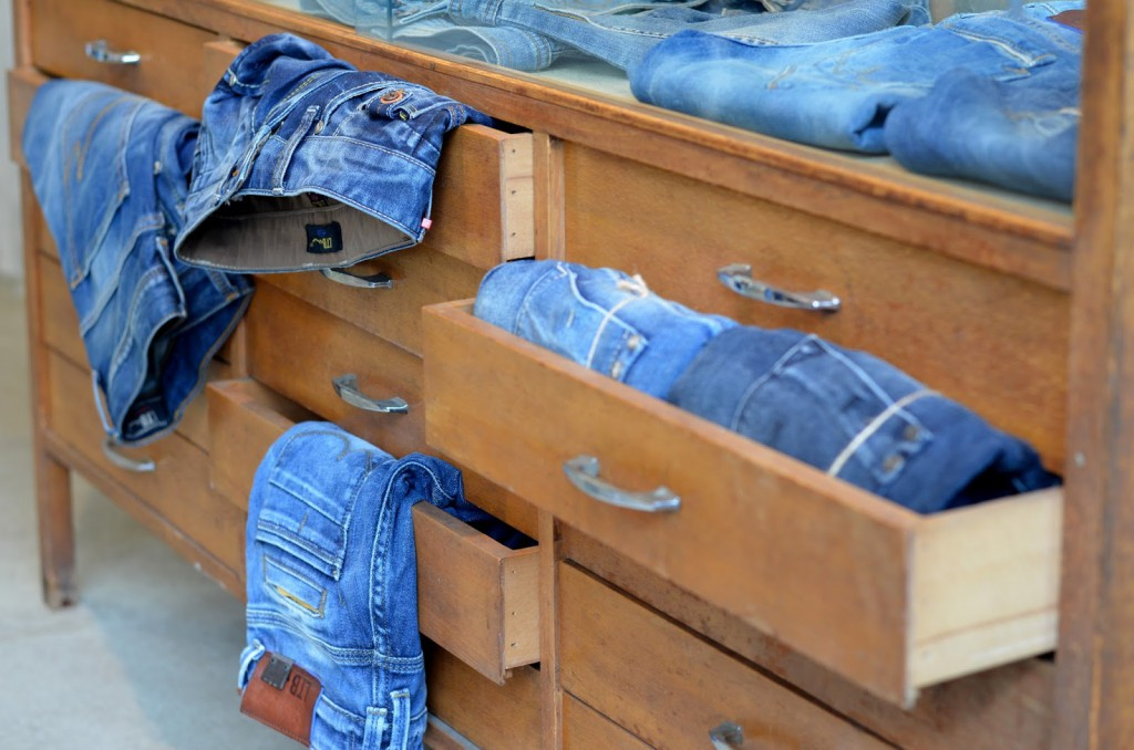 LTB Jeans Showroom 02