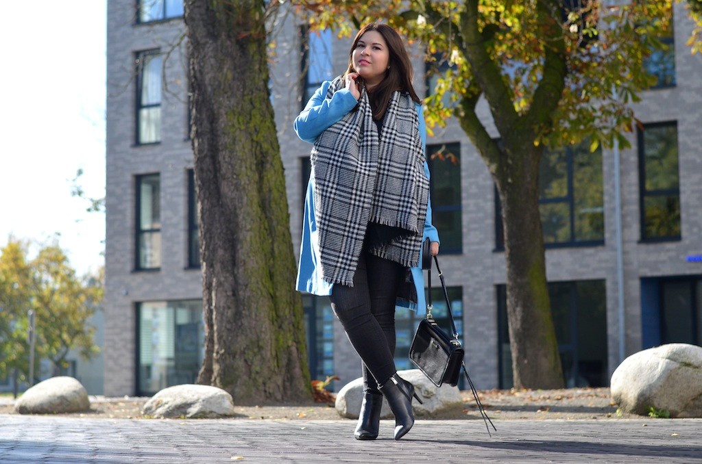 Outfit Herbst blauer Mantel Otto 2