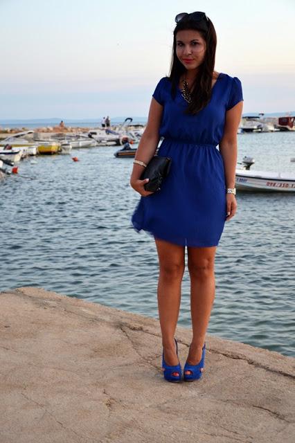 Outfit blaues Kleid 1