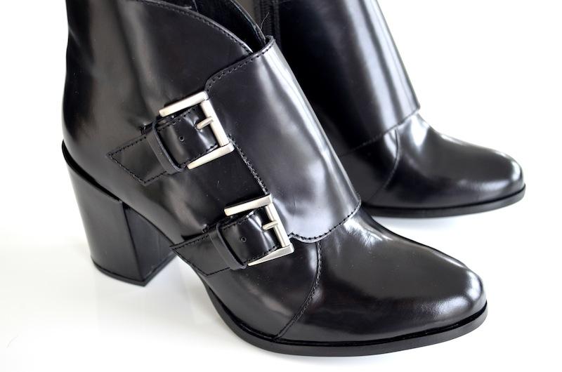 Schwarze Lack Leder Boots 1