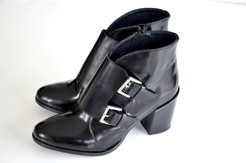 Schwarze Lack Leder Boots 2