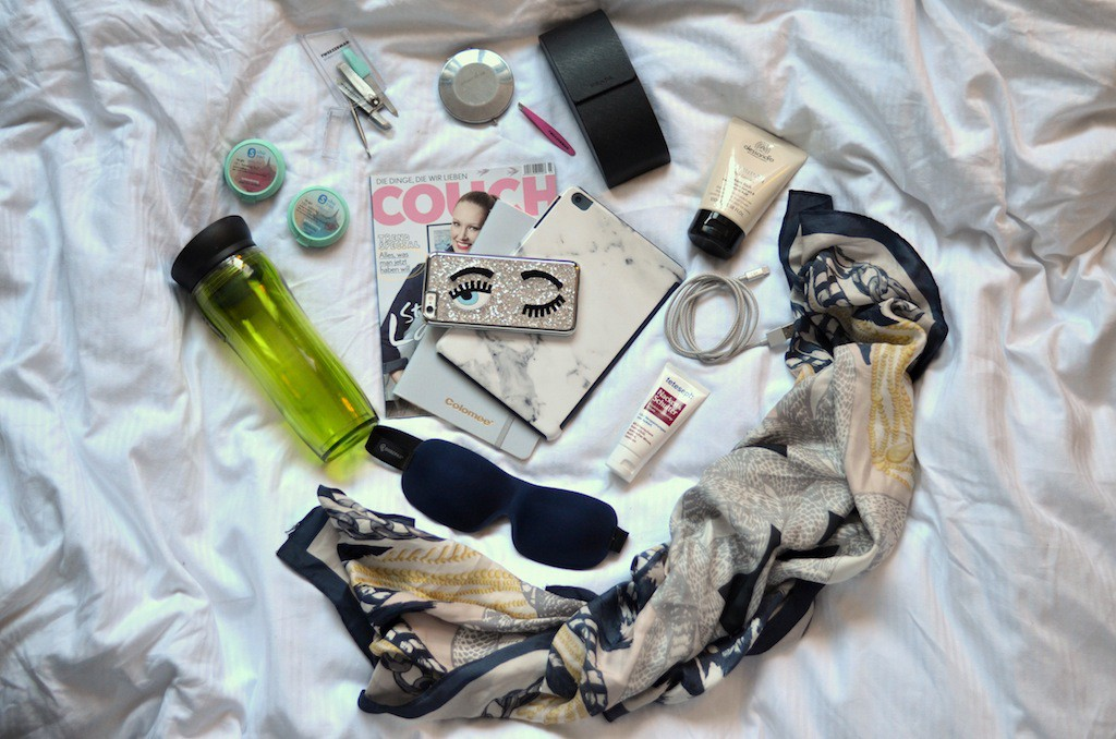 Whats in my bag, travel essentials