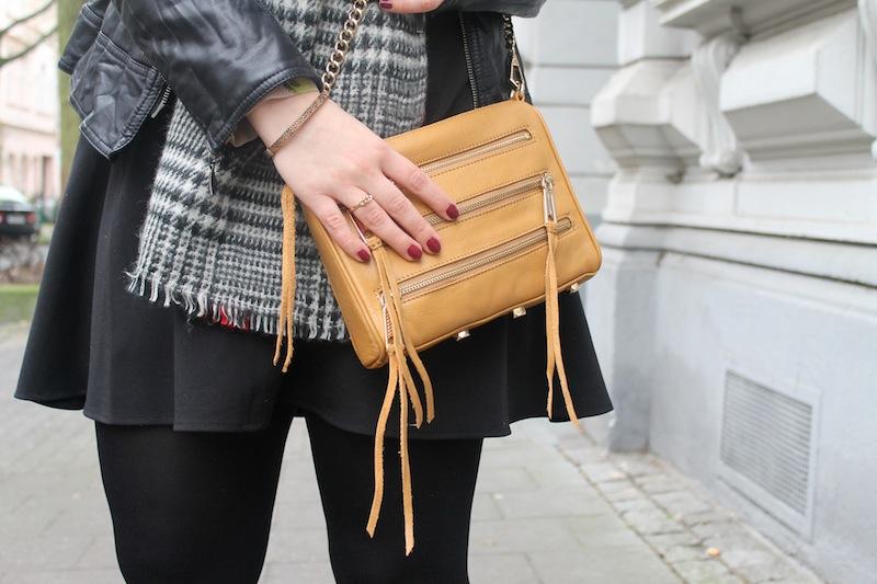 Zara Blogger Fashion Trend Scarf 03