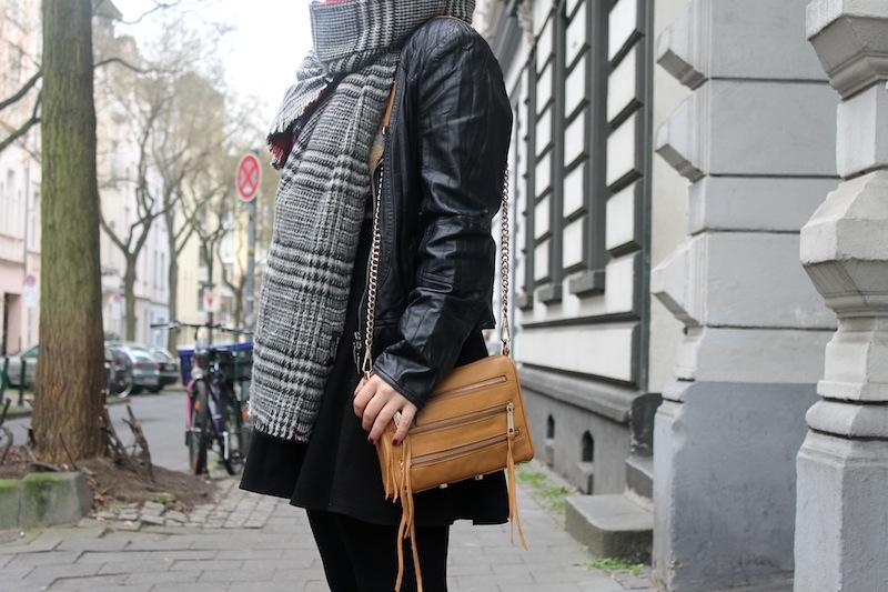 Zara Blogger Fashion Trend Scarf 04