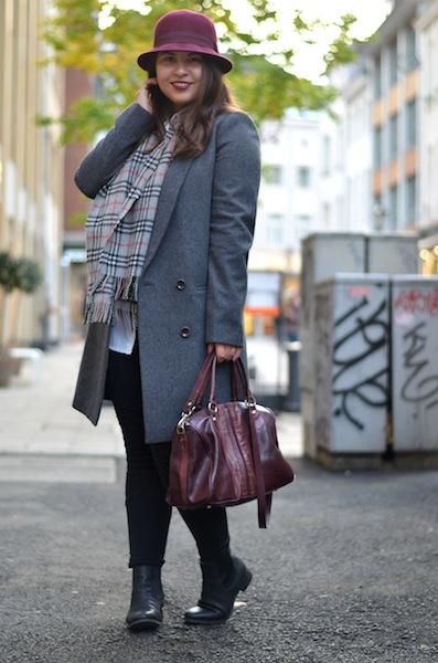 Outfit Herbst Bordeaux Grau